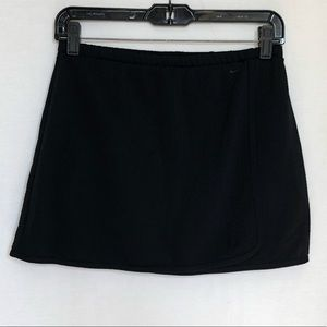 Nike Sphere Woman's Athletic Skirt Black Small